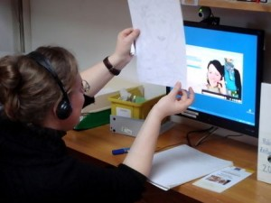 Deux participantes de la formation en communication via webcam